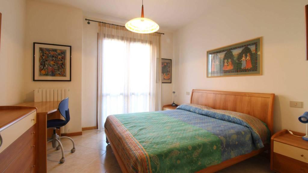 Appartamento con due camere al piano terra con giardino, foto 7