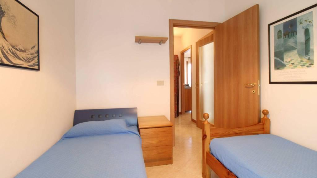 Appartamento con due camere al piano terra con giardino, foto 9