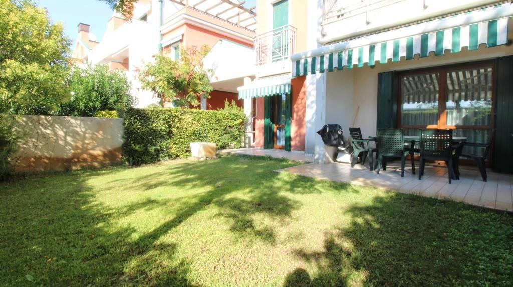Appartamento con due camere al piano terra con giardino, foto 12