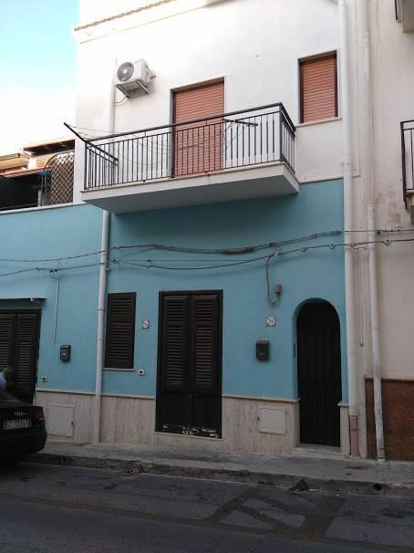 Appartamento in affitto a Terrasini, 2 locali, prezzo € 400   CambioCasa.it