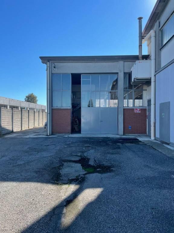 Capannone in affitto a Pavia, 9999 locali, prezzo € 1.800   CambioCasa.it
