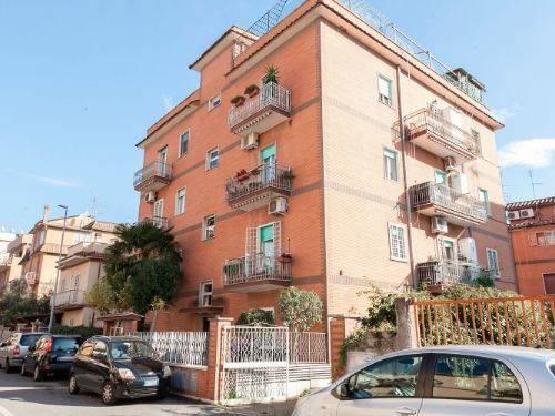 Appartamento in vendita a Roma, 3 locali, zona Zona: 33 . Quarto Casale, Labaro, Valle Muricana, Prima Porta, prezzo € 148.000 | CambioCasa.it