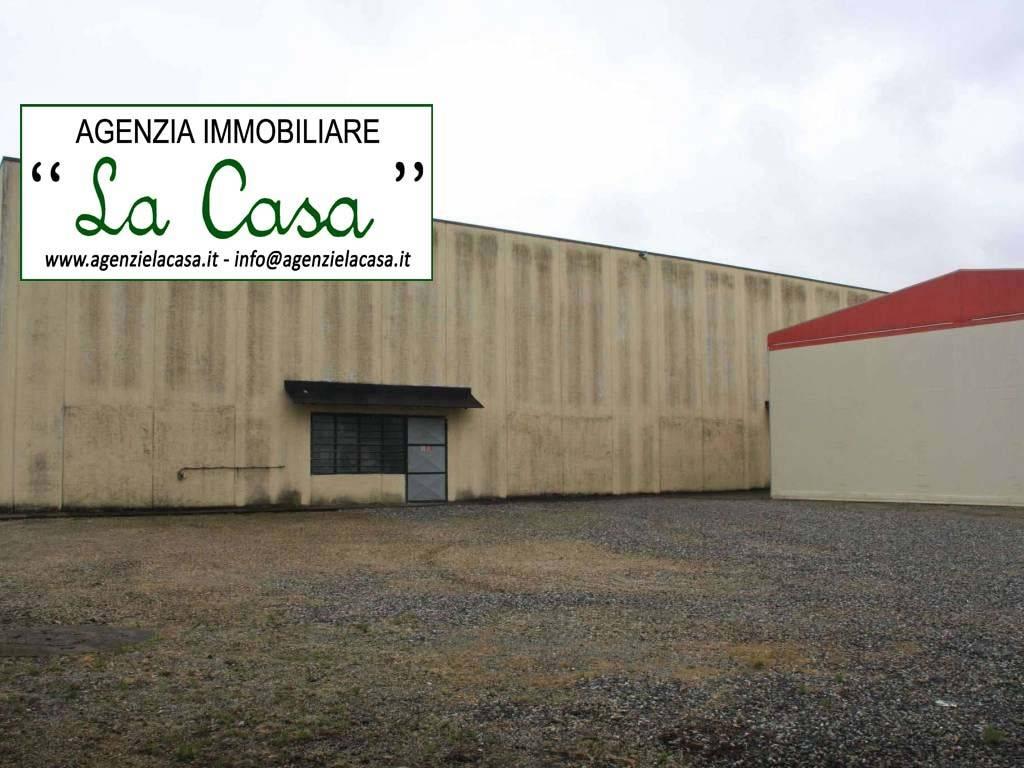 Capannone in vendita a Villanova d'Asti, 10 locali, Trattative riservate | CambioCasa.it