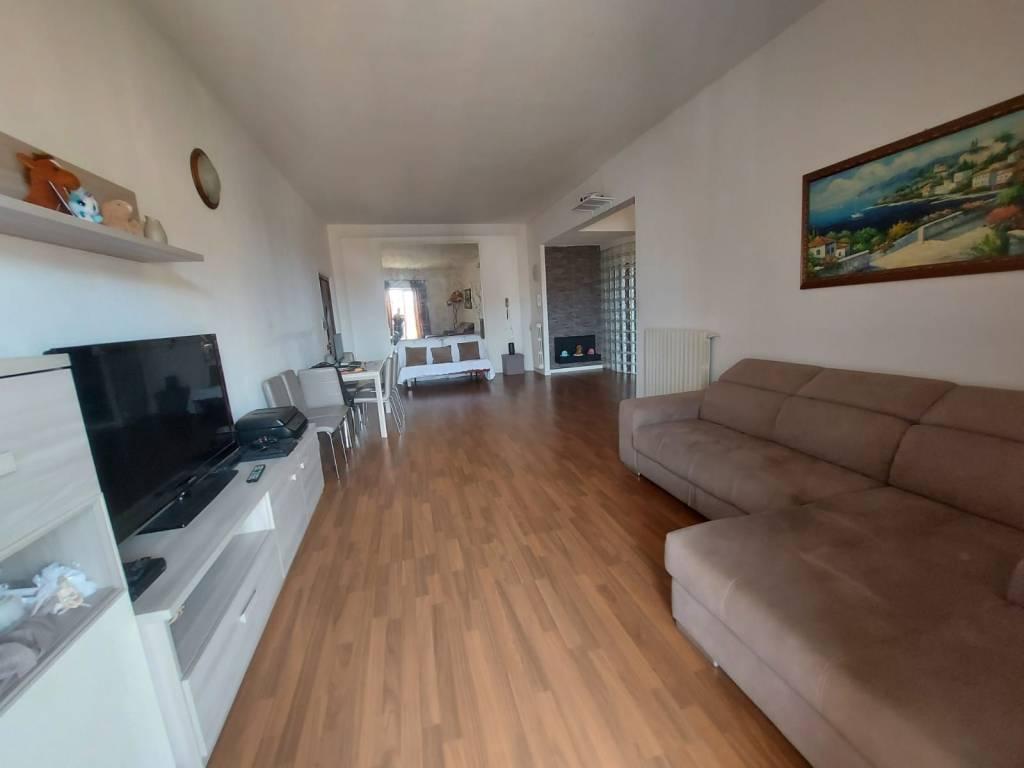 Appartamento in vendita a Mentana, 4 locali, prezzo € 165.000 | CambioCasa.it