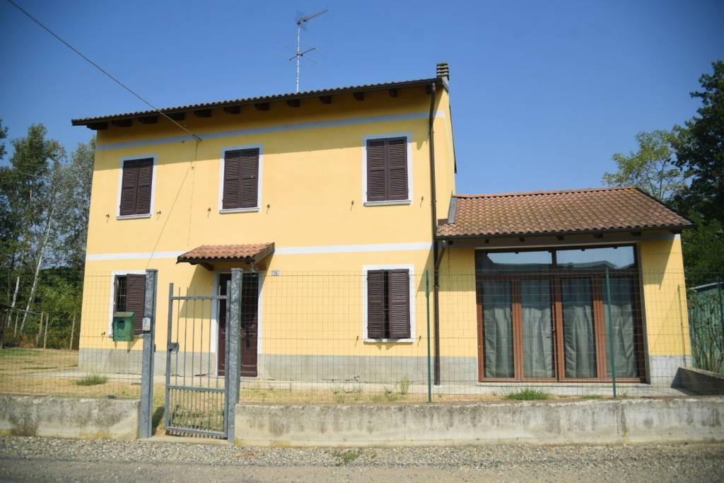 Appartamento in vendita a Cassine, 5 locali, prezzo € 95.000 | CambioCasa.it
