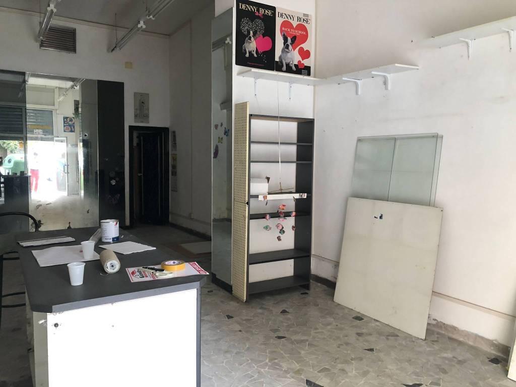 Negozio / Locale in vendita a Roma, 1 locali, zona Zona: 10 . Pigneto, Largo Preneste, prezzo € 65.000   CambioCasa.it