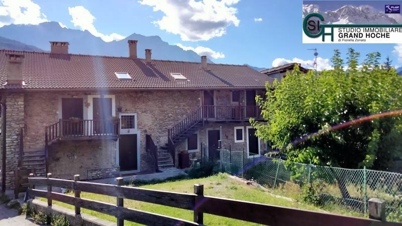 Appartamento in buone condizioni arredato in affitto Rif. 8353675
