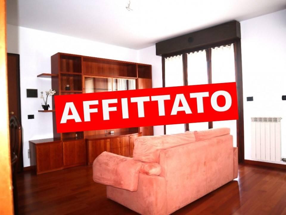 Appartamento in Affitto a Segrate: 3 locali, 90 mq