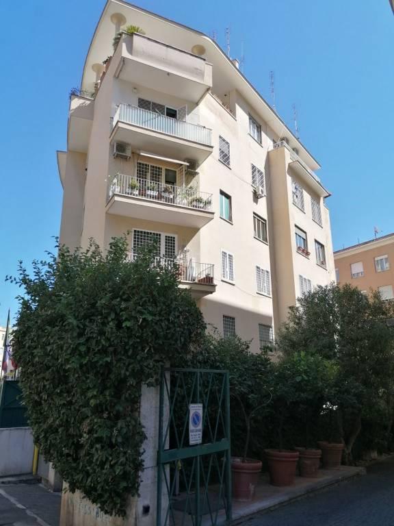 Appartamento in vendita a Roma, 1 locali, prezzo € 120.000   CambioCasa.it