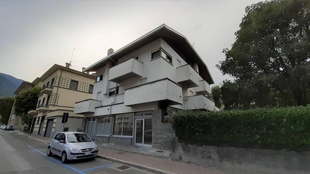 Negozio / Locale in vendita a Sondrio, 1 locali, prezzo € 135.000 | CambioCasa.it
