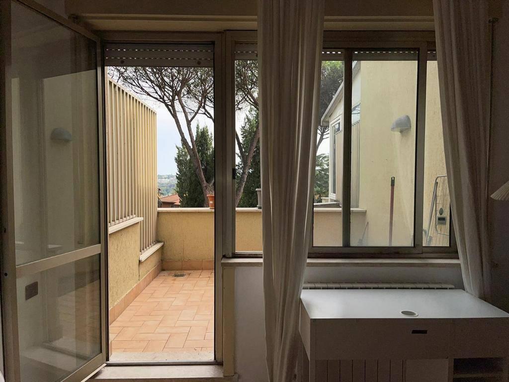 Loft / Openspace in vendita a Roma, 1 locali, zona Zona: 31 . Giustiniana, Tomba di Nerone, Cassia, prezzo € 130.000 | CambioCasa.it
