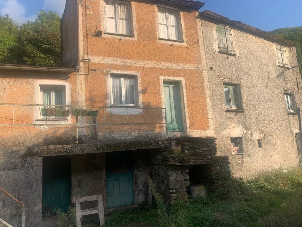 Rustico / Casale in vendita a Neirone, 4 locali, prezzo € 38.000 | PortaleAgenzieImmobiliari.it