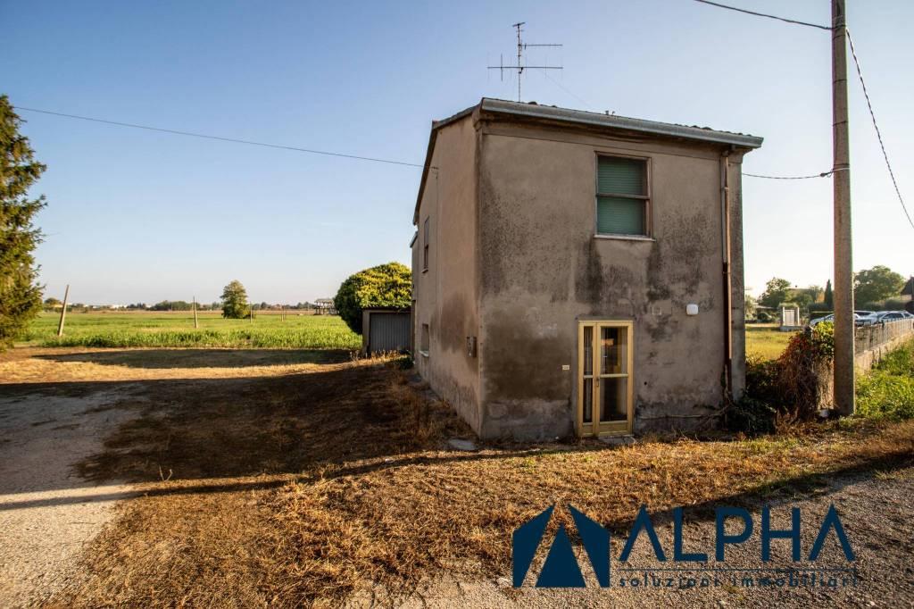 Villa in vendita a Gatteo, 4 locali, prezzo € 135.000   CambioCasa.it