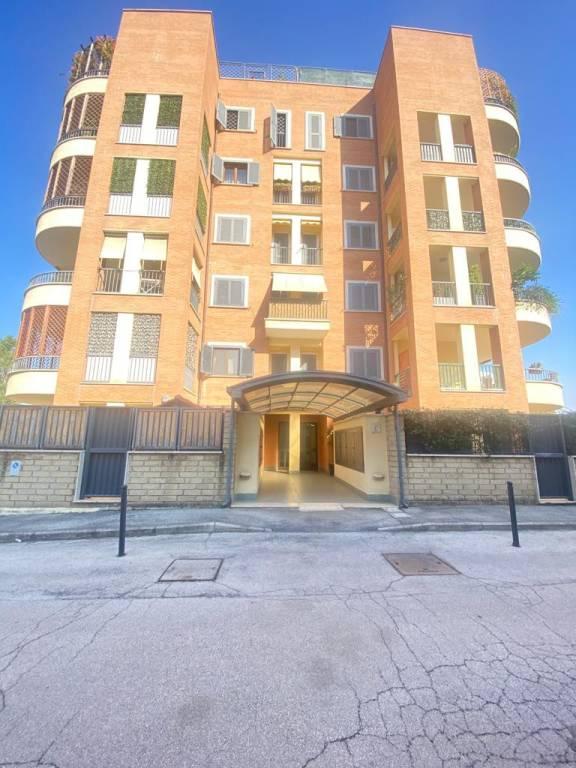 Appartamento in vendita a Roma, 3 locali, zona Zona: 38 . Acilia, Vitinia, Infernetto, Axa, Casal Palocco, Madonnetta, prezzo € 375.000 | CambioCasa.it