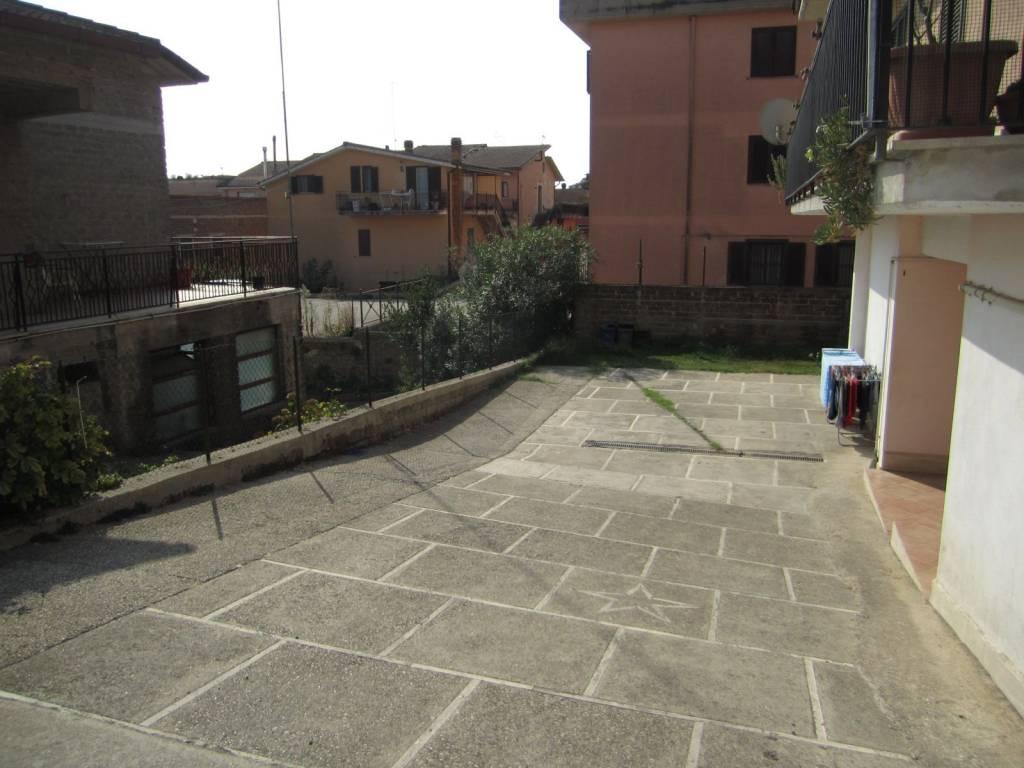 Appartamento in vendita a Rignano Flaminio, 3 locali, prezzo € 82.000 | CambioCasa.it