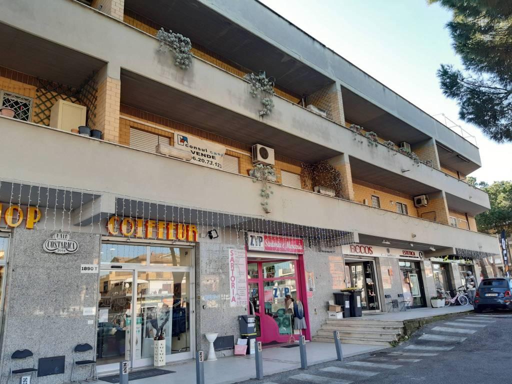 Appartamento in vendita a Roma, 4 locali, zona Zona: 36 . Finocchio, Torre Gaia, Tor Vergata, Borghesiana, prezzo € 180.000 | CambioCasa.it