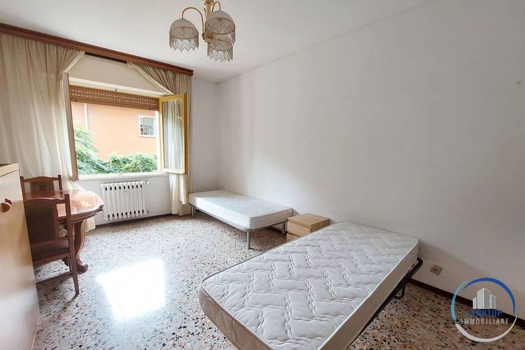 Stanza / posto letto in affitto Rif. 7934351