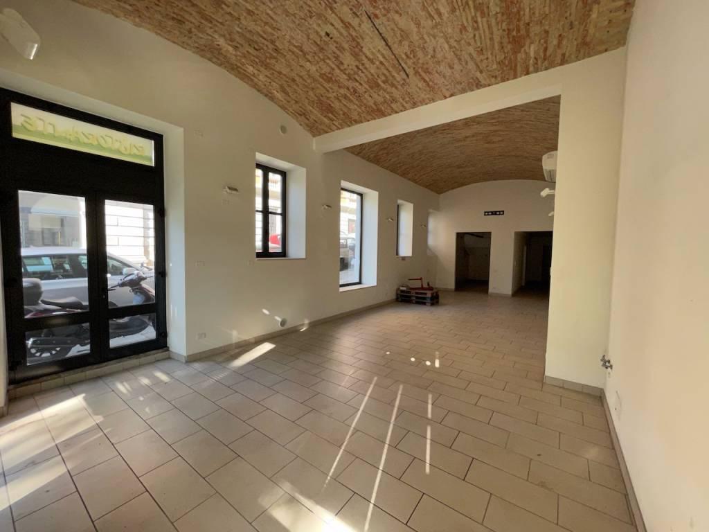 Negozio / Locale in affitto a Trieste, 3 locali, prezzo € 1.600 | PortaleAgenzieImmobiliari.it