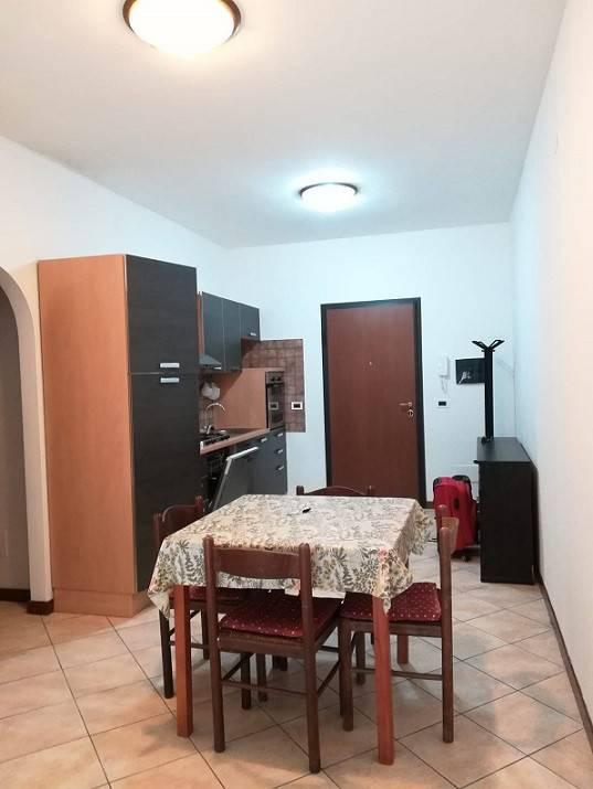 POMEZIA (RM) Appartamento rifinito completo di mobilia