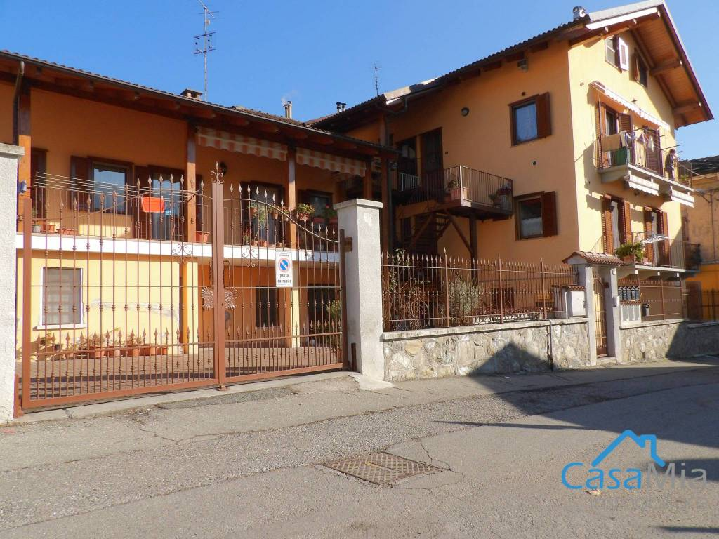 Appartamento in ottime condizioni in vendita Rif. 9489466