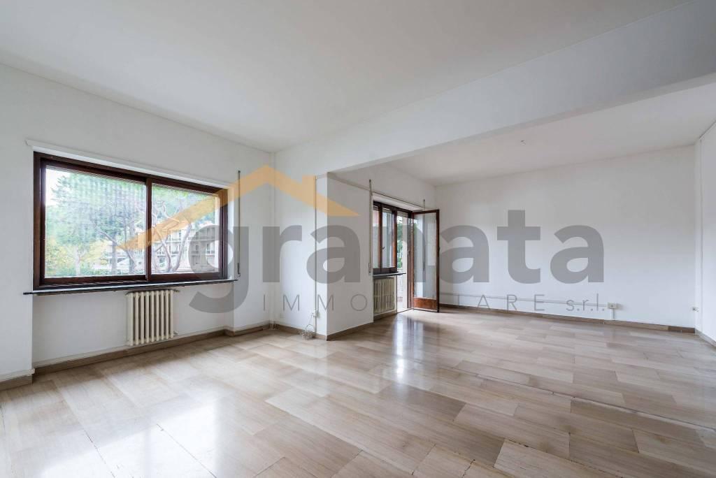Appartamento in vendita a Roma, 4 locali, zona Zona: 28 . Torrevecchia - Pineta Sacchetti - Ottavia, prezzo € 380.000 | CambioCasa.it