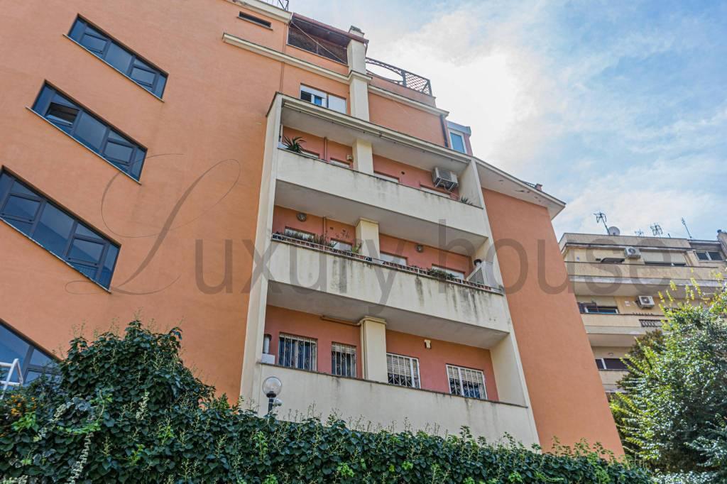 Appartamento in vendita a Roma, 6 locali, zona Zona: 32 - Fleming, Vignaclara, Ponte Milvio, prezzo € 599.000 | CambioCasa.it
