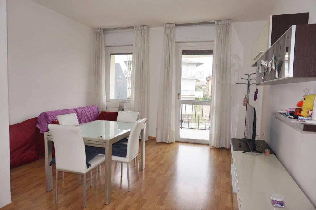 Appartamento in vendita a Sirmione, 3 locali, prezzo € 285.000 | PortaleAgenzieImmobiliari.it