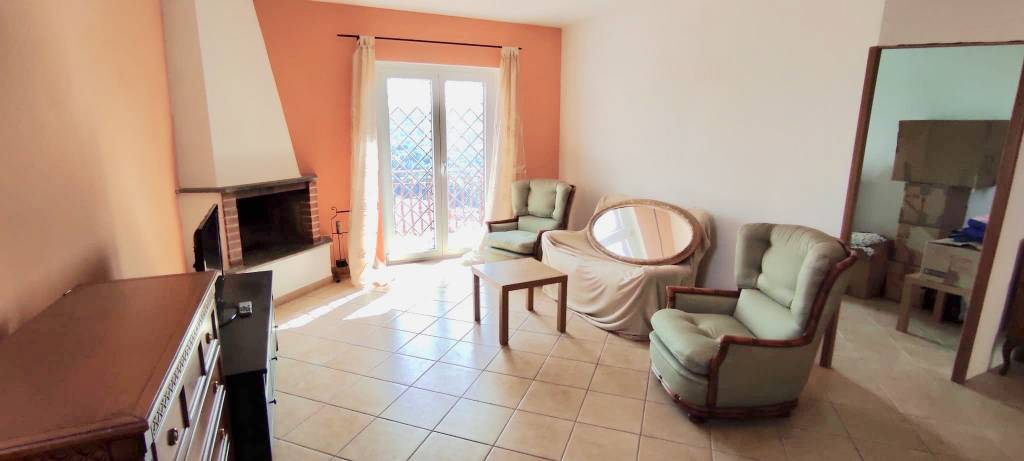 Appartamento in vendita a Morlupo, 4 locali, prezzo € 110.000 | CambioCasa.it