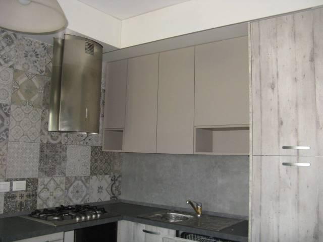 Appartamento in buone condizioni arredato in affitto Rif. 5835917