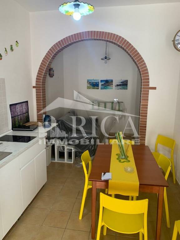 Appartamento in vendita a Castellammare del Golfo, 4 locali, prezzo € 85.000   CambioCasa.it