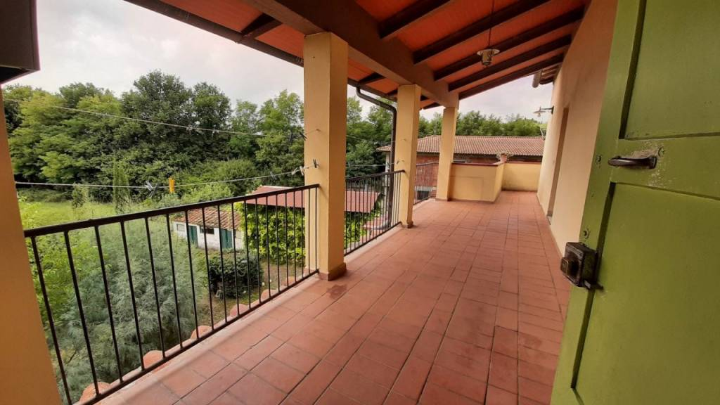 Affittasi appartamento in colonica a Laterina