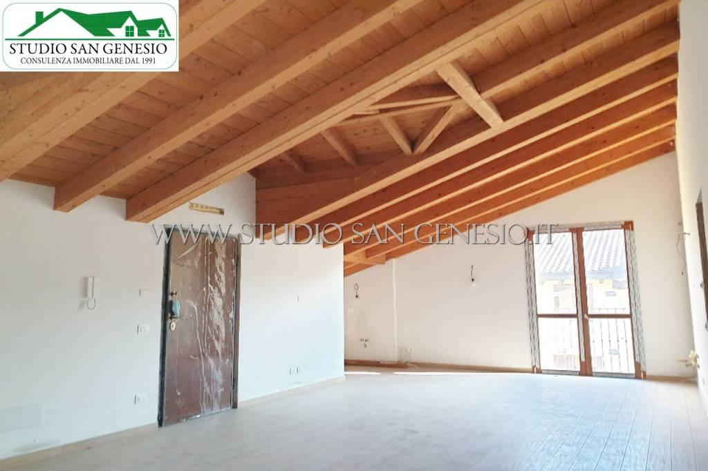 Appartamento in vendita a Certosa di Pavia, 3 locali, prezzo € 105.000 | CambioCasa.it