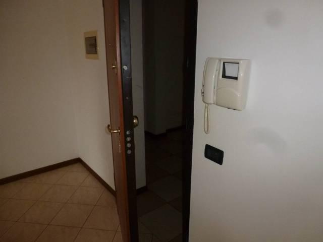 Appartamento in buone condizioni arredato in vendita Rif. 4905592