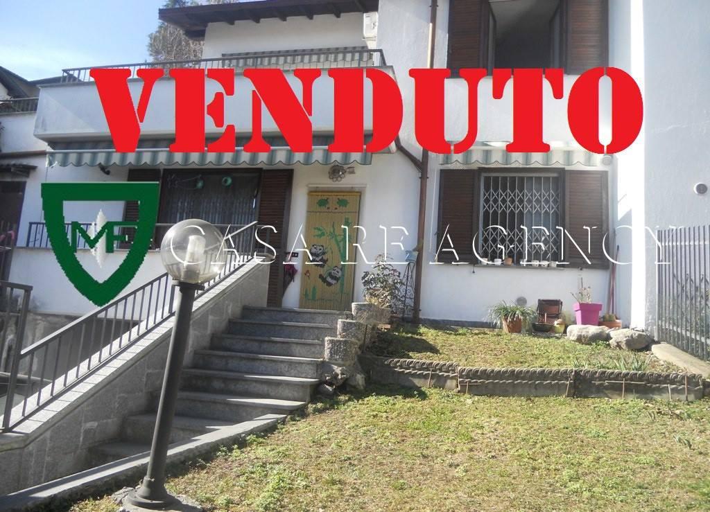 Villa in vendita a Varese, 5 locali, prezzo € 260.000 | CambioCasa.it