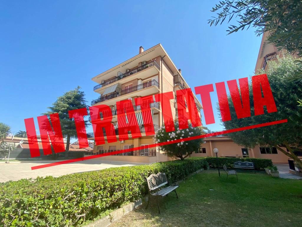 Appartamento in vendita a Roma, 3 locali, zona Zona: 36 . Finocchio, Torre Gaia, Tor Vergata, Borghesiana, prezzo € 265.000 | CambioCasa.it