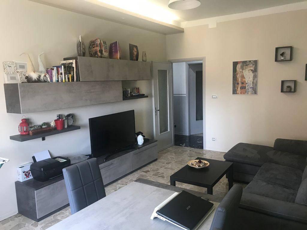 Appartamento in affitto a Bra, 3 locali, prezzo € 430 | CambioCasa.it