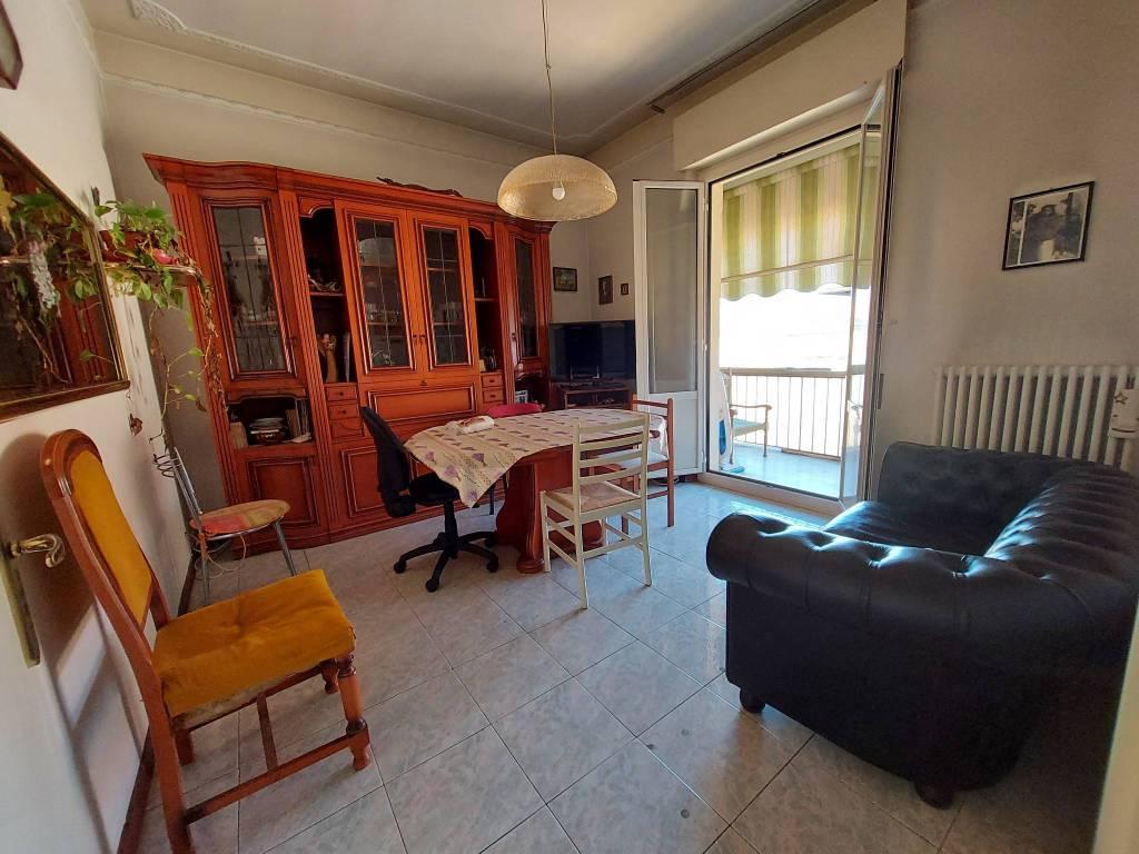 Appartamento in vendita a Pesaro, 3 locali, prezzo € 135.000 | PortaleAgenzieImmobiliari.it