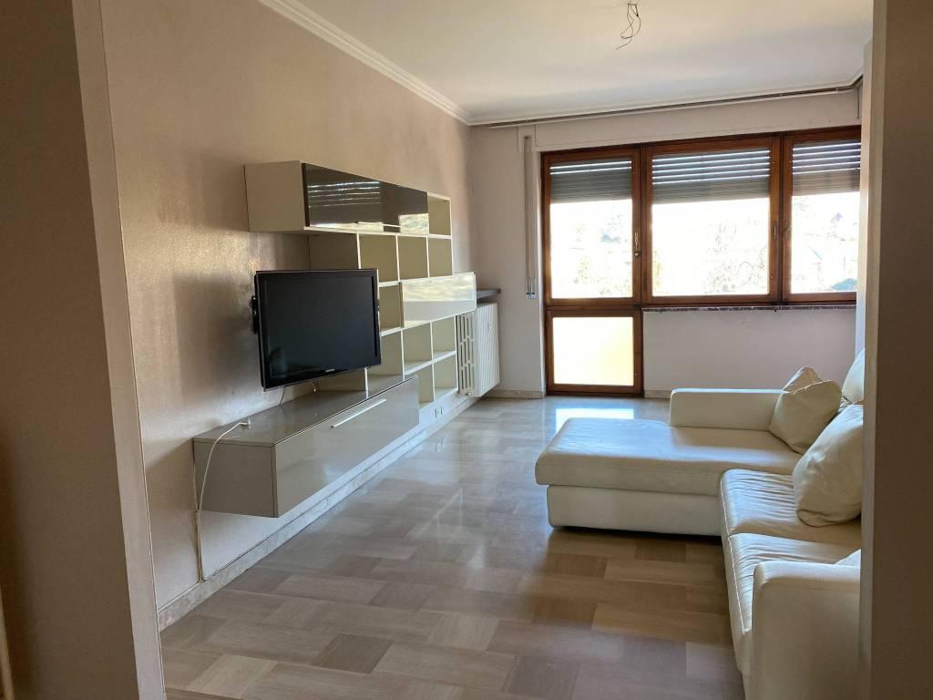 Appartamento in affitto a Rivoli, 5 locali, prezzo € 830   CambioCasa.it