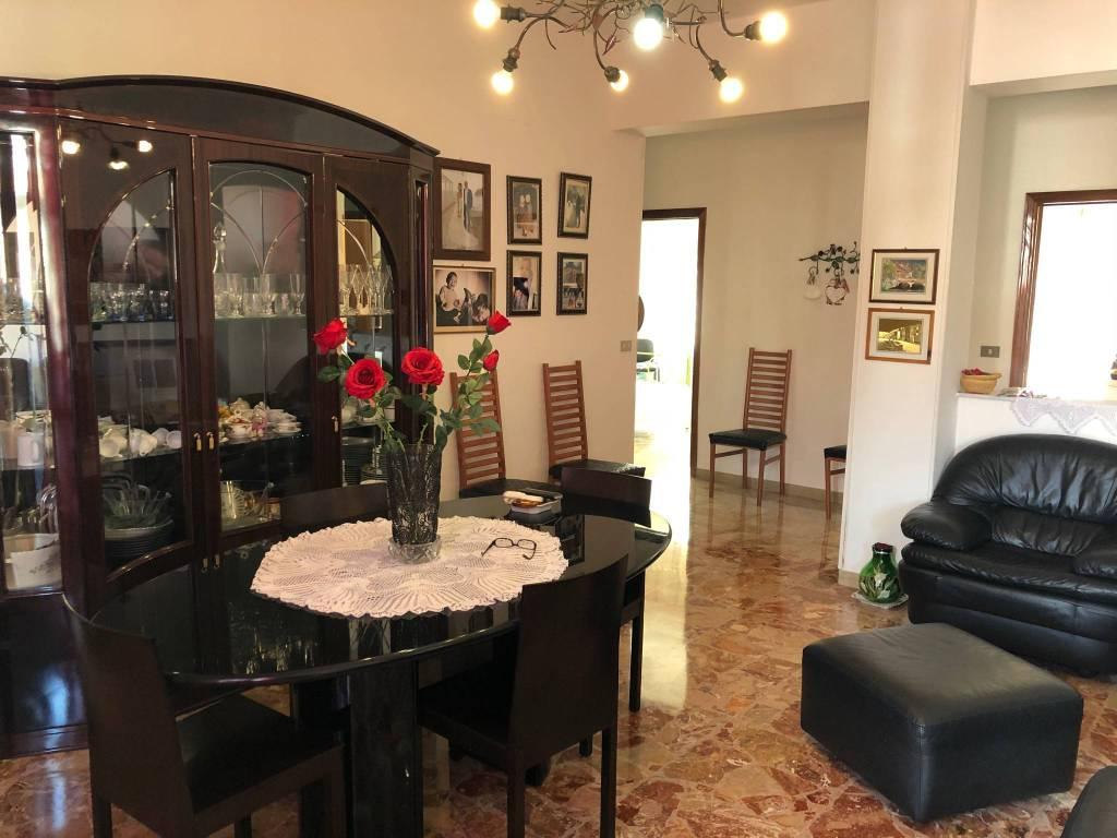 Appartamento in vendita a Ancona, 5 locali, prezzo € 125.000   PortaleAgenzieImmobiliari.it