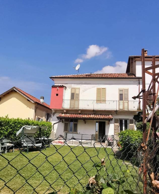 Foto 1 di Rustico / Casale via Vittorio Serra, Montegrosso D'asti