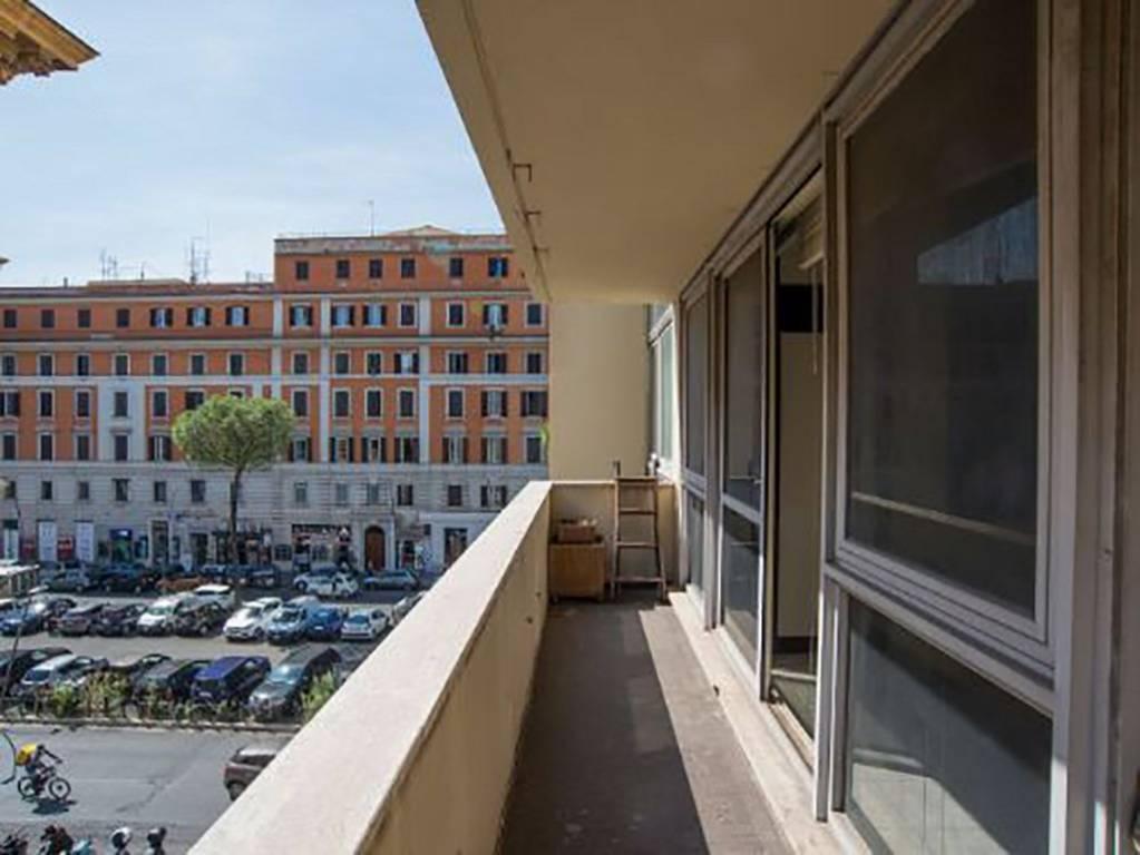 Appartamento in vendita a Roma, 1 locali, zona Zona: 14 . San Giovanni, Re di Roma, P.ta Metronia, prezzo € 185.000 | CambioCasa.it