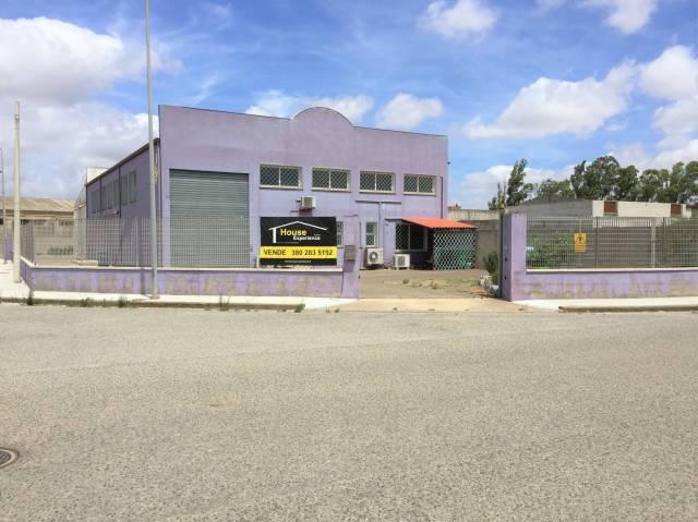 Capannone 6 locali in vendita a San Gavino Monreale (VS)