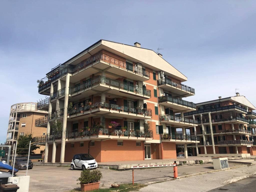 Appartamento in vendita a Roma, 4 locali, zona Zona: 39 . Lido di Ostia, Ostia, Castel Fusano, Torre Paterno, prezzo € 209.000 | CambioCasa.it