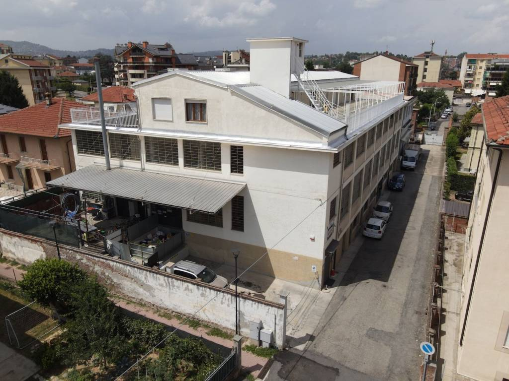 Magazzino in affitto a Chieri, 6 locali, prezzo € 1.500 | PortaleAgenzieImmobiliari.it