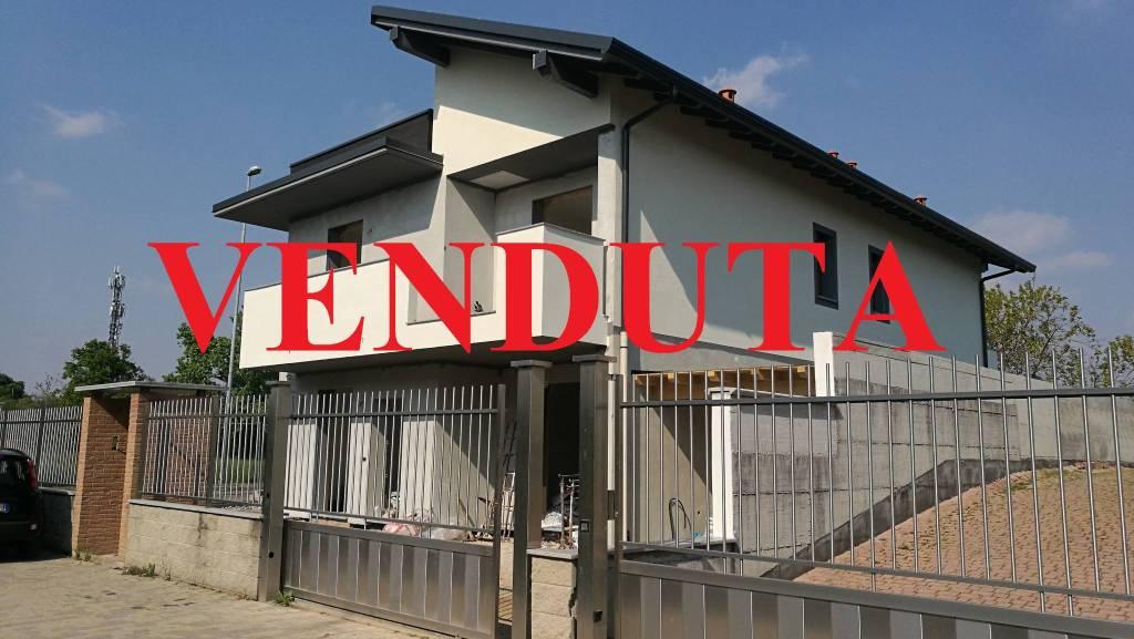 Villa in vendita a Sedriano, 4 locali, prezzo € 320.000 | PortaleAgenzieImmobiliari.it