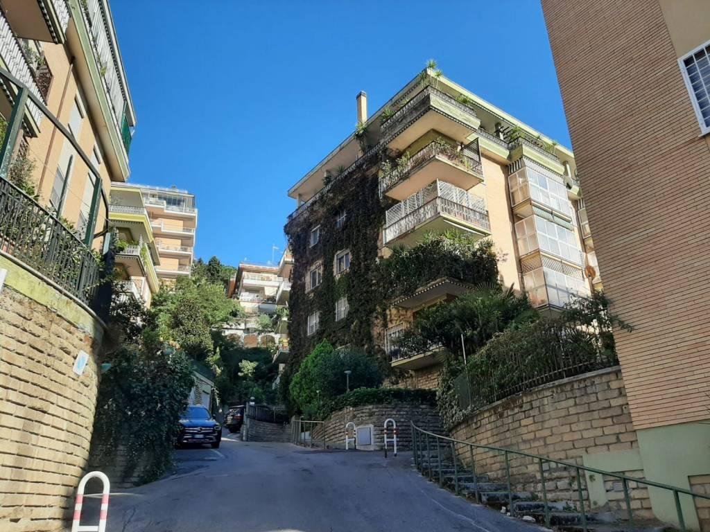 Appartamento in vendita a Roma, 5 locali, zona Zona: 42 . Cassia - Olgiata, prezzo € 330.000 | CambioCasa.it