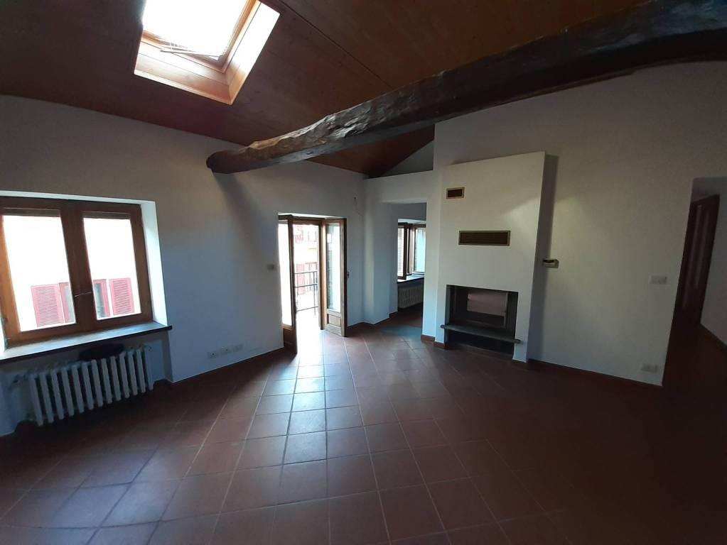 Attico / Mansarda in vendita a Castelnuovo Don Bosco, 7 locali, prezzo € 80.000 | CambioCasa.it