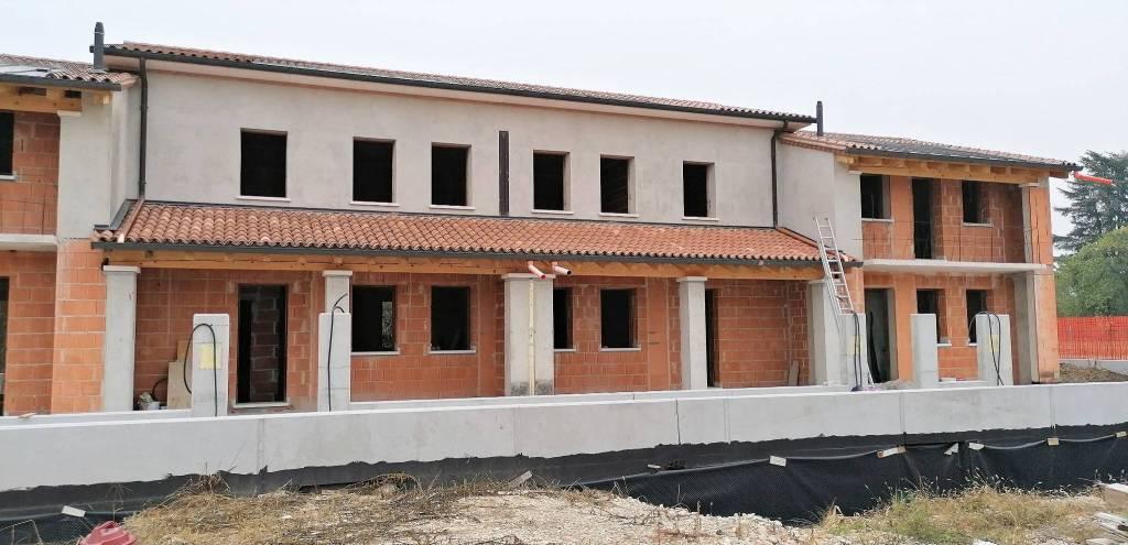 Villa a Schiera in vendita a Riese Pio X, 5 locali, prezzo € 120.000 | CambioCasa.it