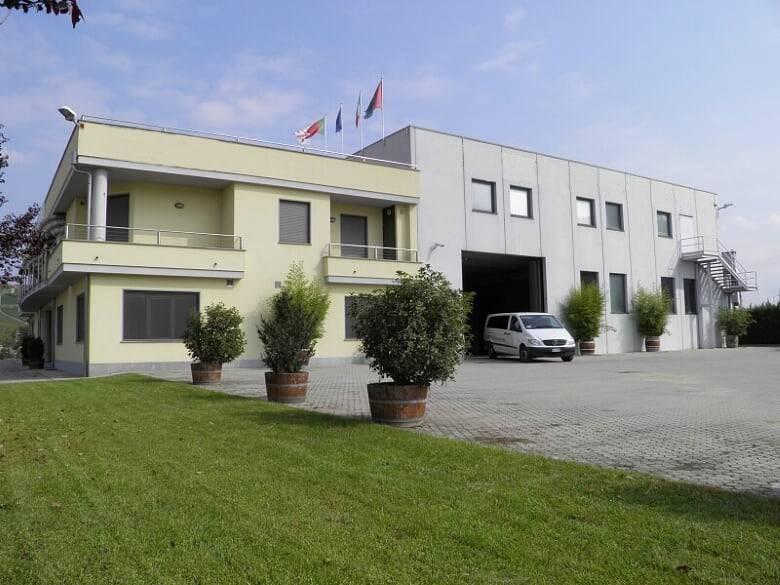 Capannone in vendita a Canale, 6 locali, prezzo € 1.100.000 | CambioCasa.it