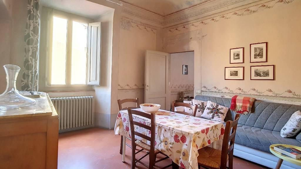 Appartamento in buone condizioni arredato in affitto Rif. 8547499